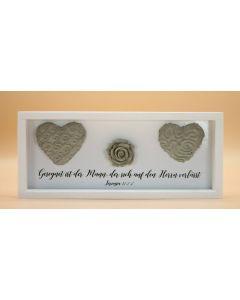 Wandbild aus Holz kurz mit Herzen und Rose, Jeremia 17.7-8