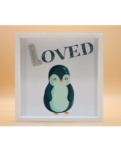 """Wandbild aus Holz """"LOVED"""" Pinguin - ohne Spruch"""